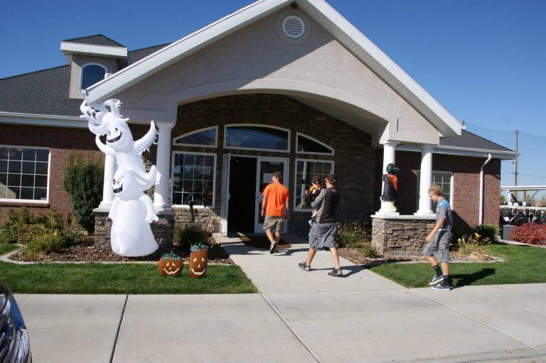 Remuda Halloween entrance